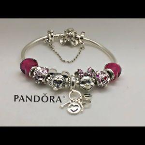 Pandora Minnie bracelet + 8 pandora Disney charms